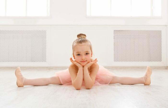 bailarina ballet nina postura linea ludica escuela internacional de danza international dance school alicante