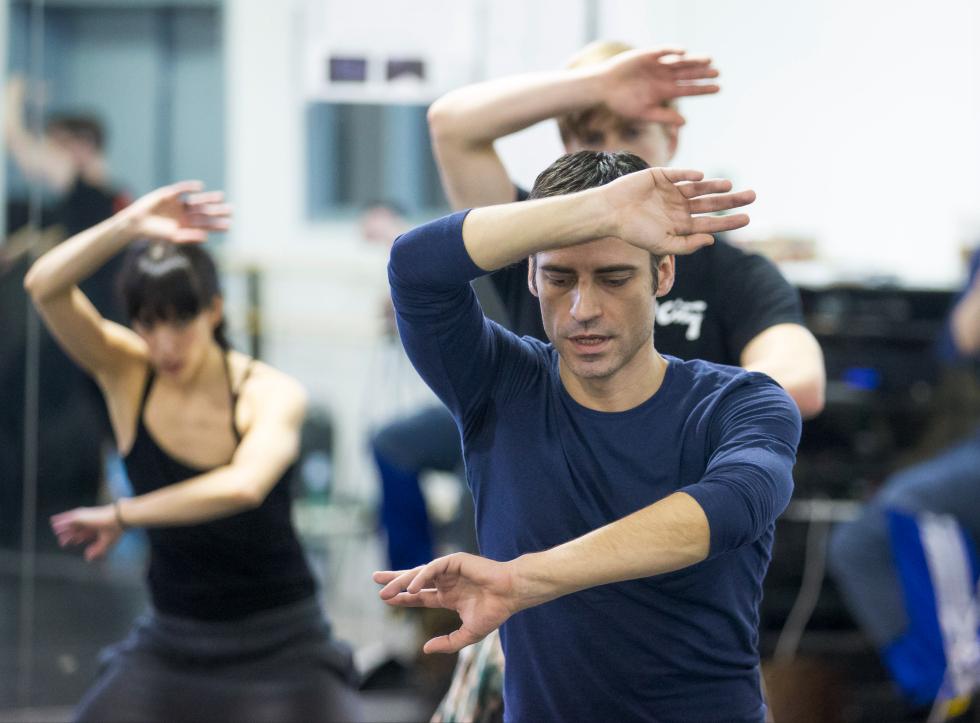 clases ballet contemporáneo titoyaya international dance school alicante Gustavo Ramírez