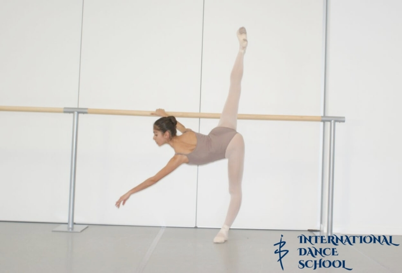 ballet bailarina danza clasica escuela de danza internacional alicante john cranko schule staatliche ballet stuttgart cynthia anna generalova pierna