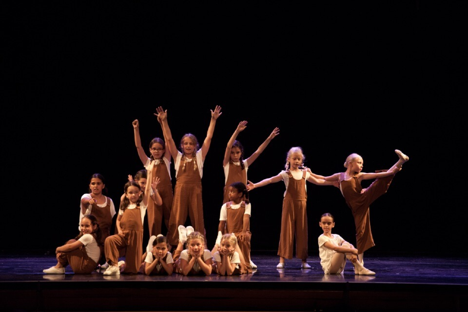 danza espanola bailarina flamenco carmen maria coy canovas escuela internacional de danza international dance school alicante